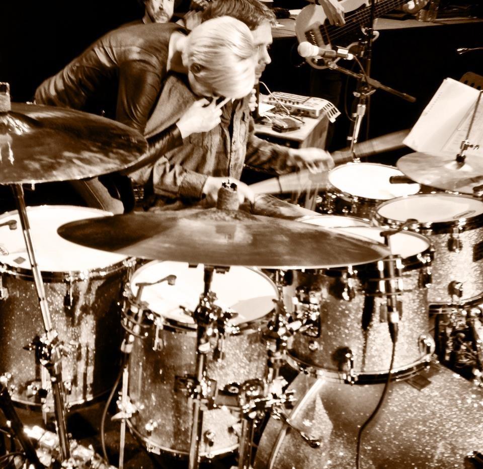Kellie Pickler's drummer surprises her onstage