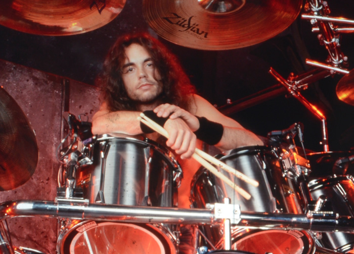 Nick Menza (Megadeath) Dies after Collapsing on Stage