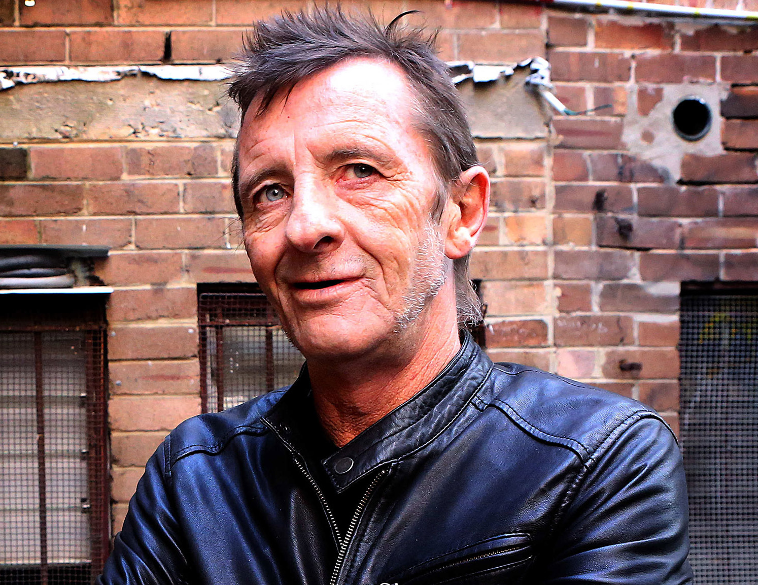 Phil Rudd (AC/DC) Recovering from Heart Attack