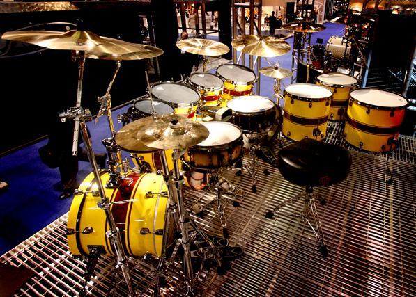 Ronald Bruner, Jr's monster 2007 Tama kit