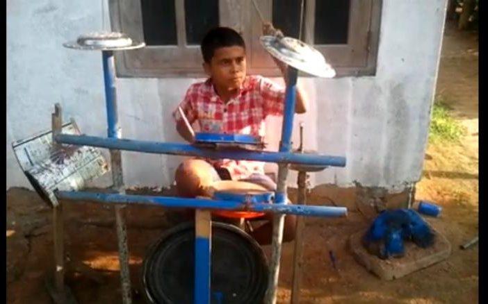 Heartmelting Story of Sri Lankan Drummer Boy