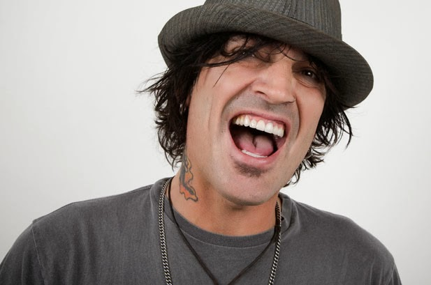 Tendonitis sidelines Tommy Lee for 4th Motley Crue show