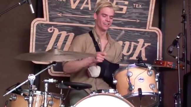 Viet Cong's Drummer Plays SXSW with One Arm